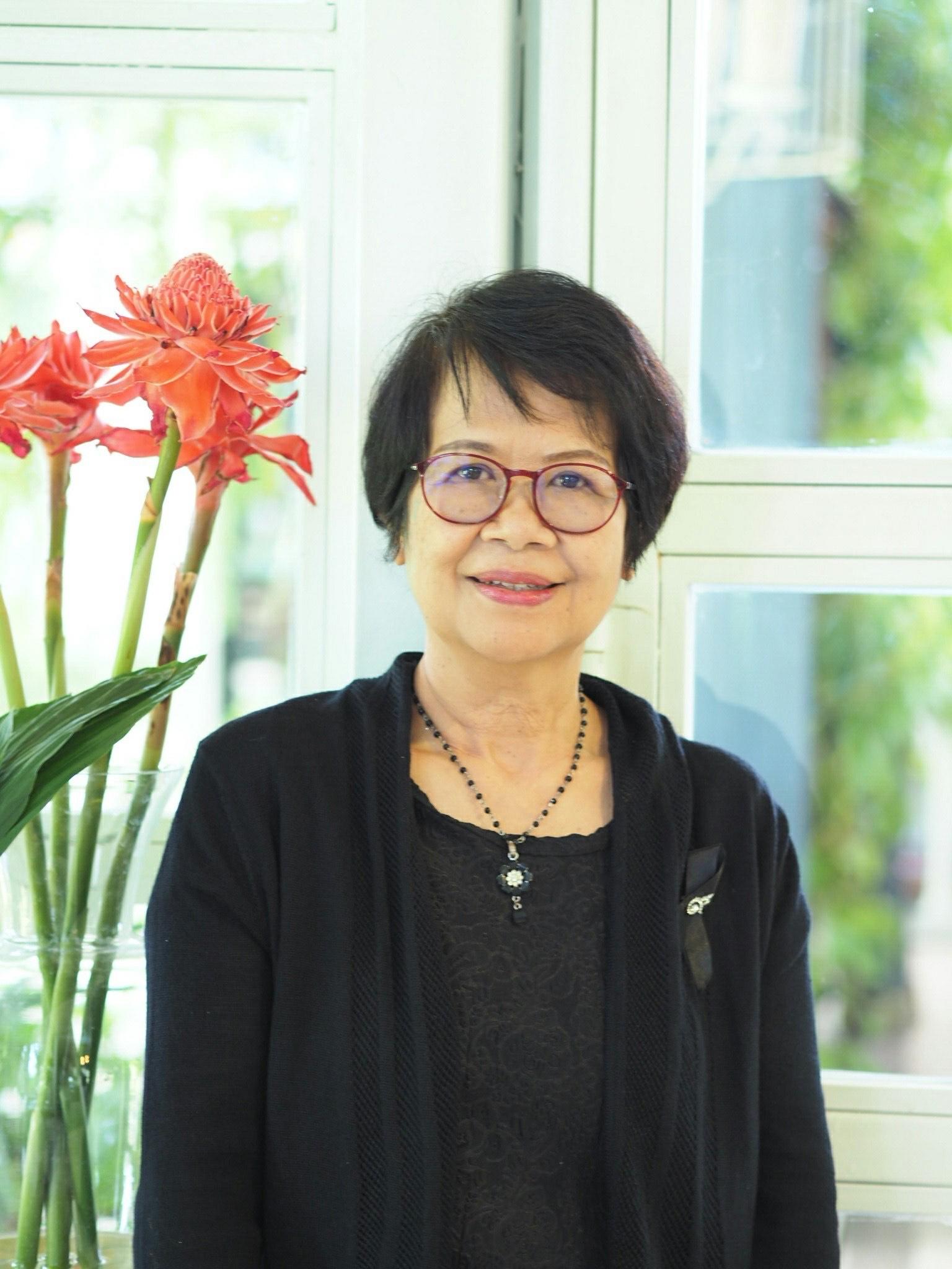 Ms. Rossukon Tariya